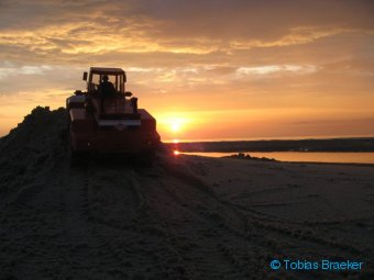 Modell Radlader O&K L25 romantisch am Strand | RC wheel loader at the beach