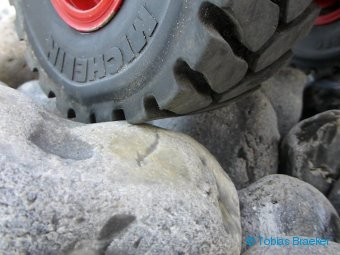 Waklender Reifen für Modellbaumaschinen | Cushion tyre for RC construction machines